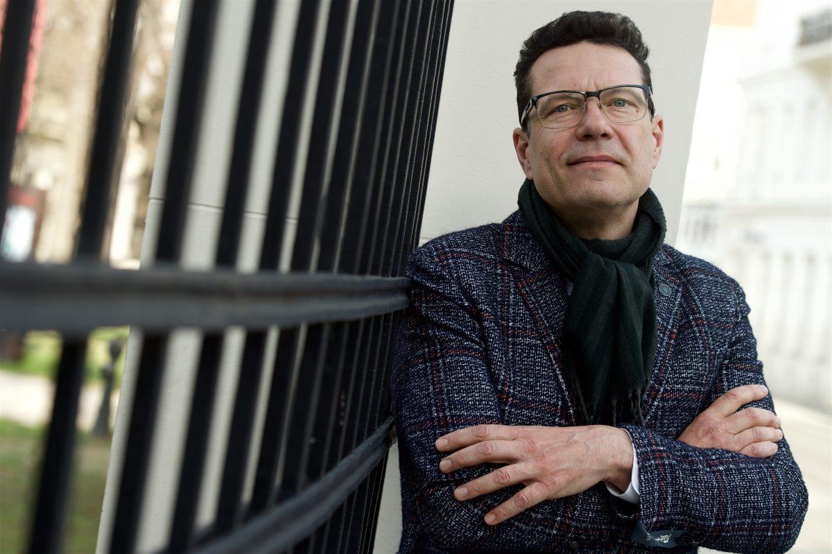 """Tief im Sumpf – """"Tote Vögel singen nicht"""" von Christian Klinger"""